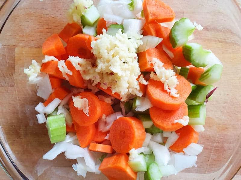 vegetables for Italian white bean soup