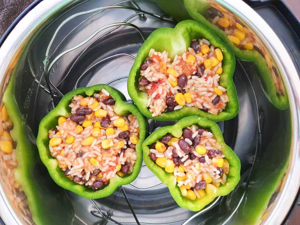 Cooking stuffed peppers in a pressure cooker