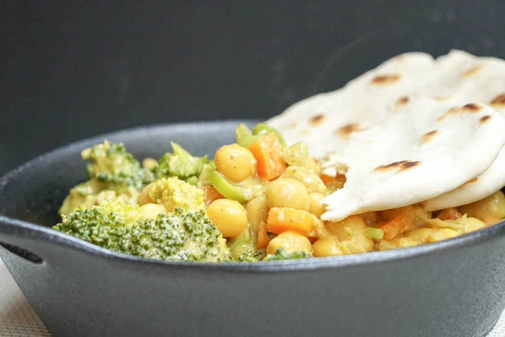 Indian chickpea curry with fresh naan