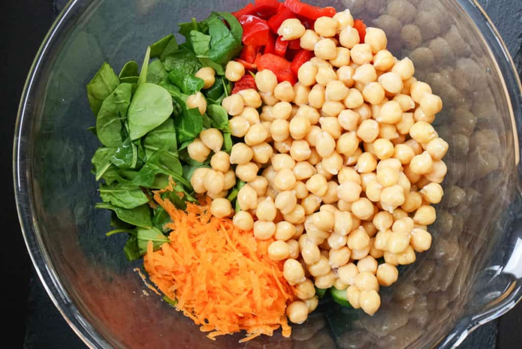 chickpea spinach salad with curry
