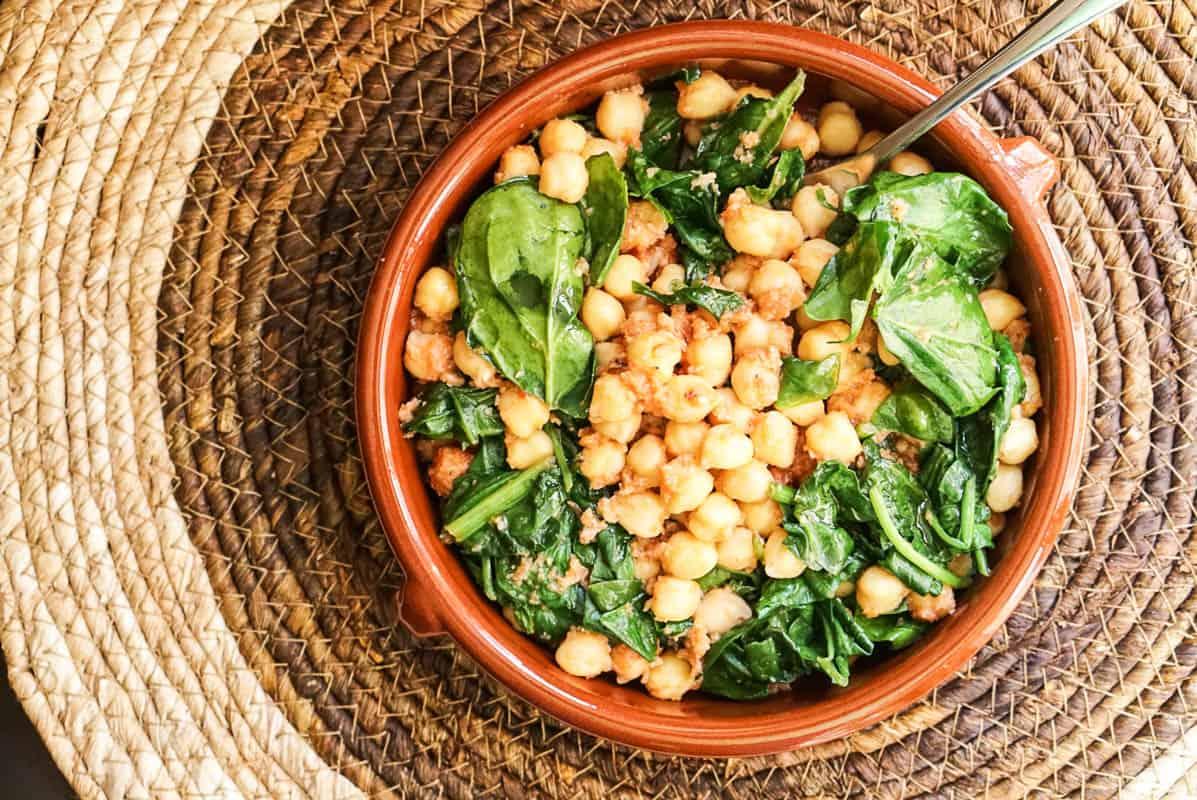 Spanish Spinach And Chickpeas Tapas - Espinacas Con Garbanzos