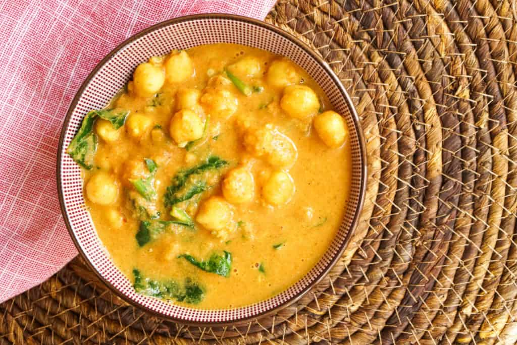 Chickpea curry spinach